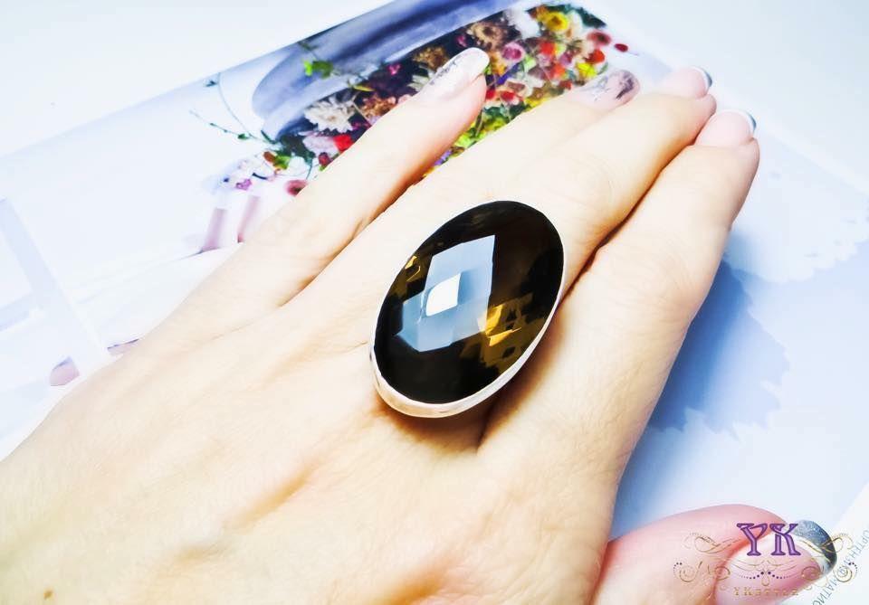 Кольцо с раухтопазом.