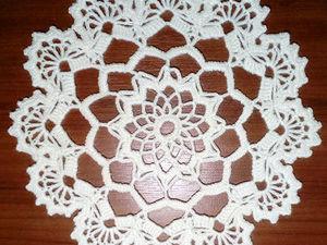 Вяжем декоративную салфеточку «Фэнтезийный цветочек». Ярмарка Мастеров - ручная работа, handmade.