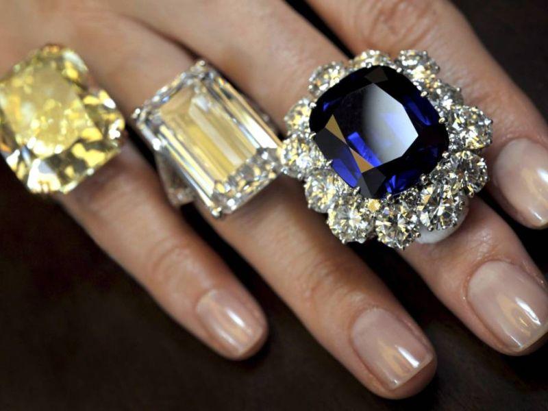 Серьги с полудрагоценными камнями от ювелирного дома Инталия