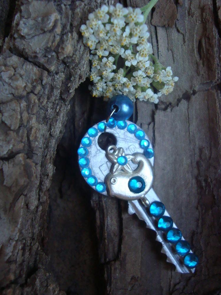 ключ, ключи от счастья, радость, синяя птица, украшение, бижутерия, ключ подвеска, ключ брелок, подвеска на цепочку, подвеска на шнурок, украшение на шею, декоративный ключ, украшение для девушки, подарок девушке, стильное украшение, модное украшение, молодежное украшение