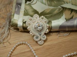 МК Сутажная брошь с кристаллом Swarovski и жемчугом | Ярмарка Мастеров - ручная работа, handmade