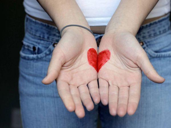 Чтобы помочь другому человеку совсем не обязательно быть сильным и богатым - достаточно быть добрым.   Ярмарка Мастеров - ручная работа, handmade