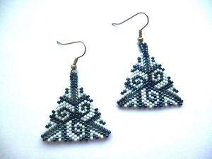 Плетем серьги-треугольники из японского бисера. Ярмарка Мастеров - ручная работа, handmade.