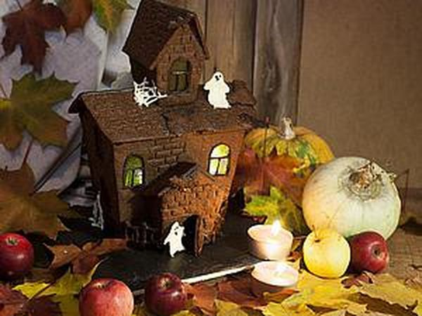 Getting Ready for Halloween: Cooking a Haunted House   Livemaster - handmade