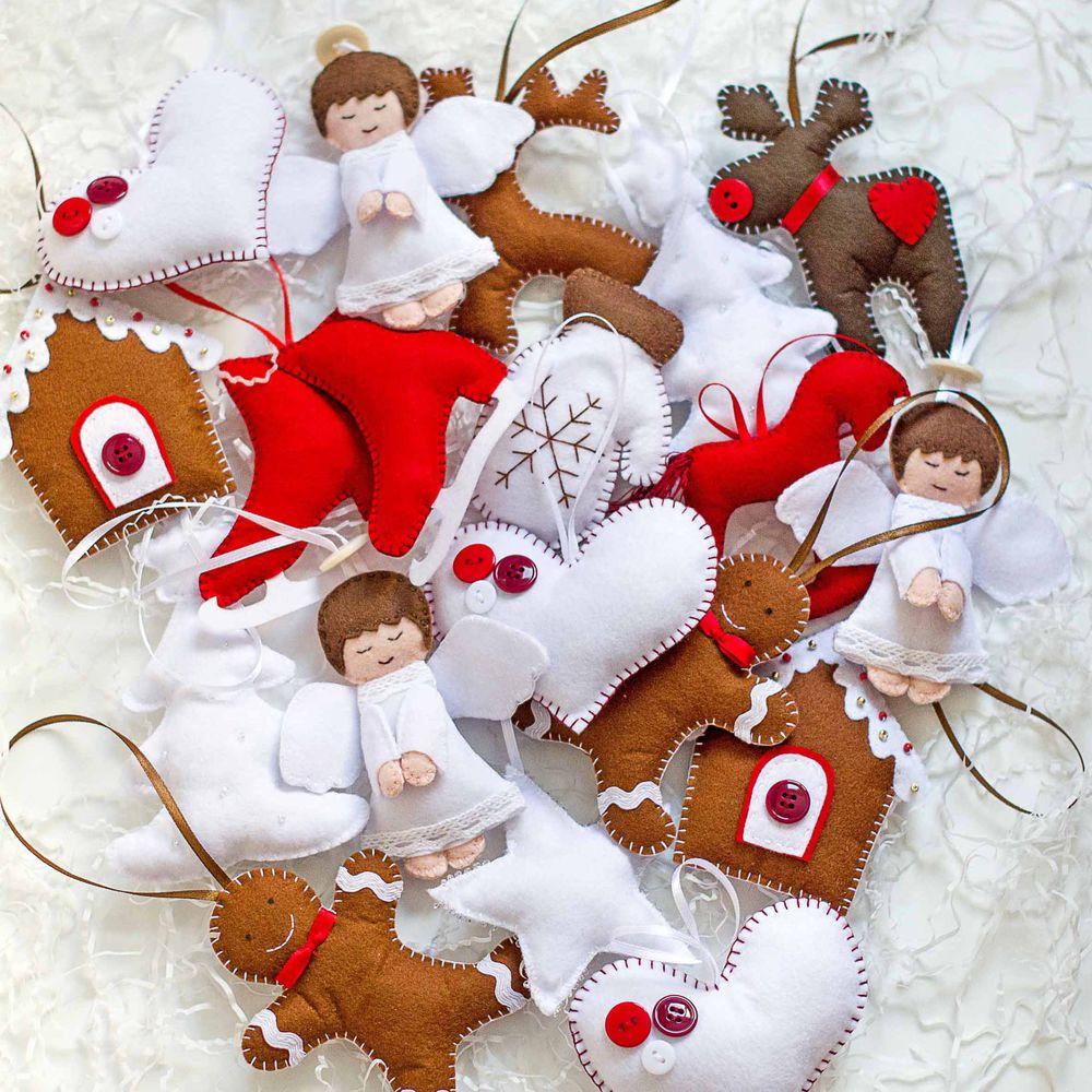 новогодние сувениры, елочное украшение, красный