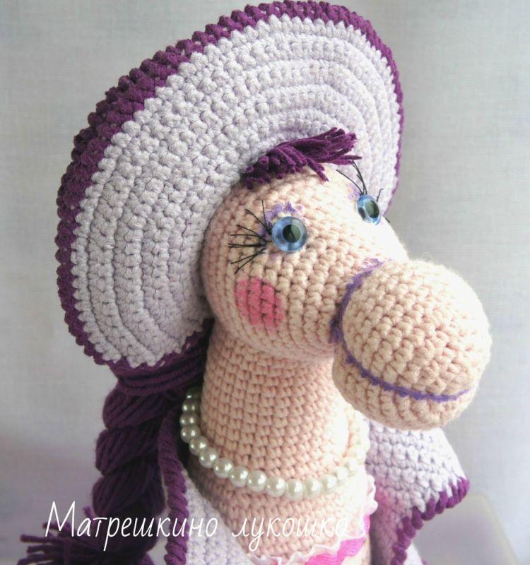 лошадка, лошадь в шляпе