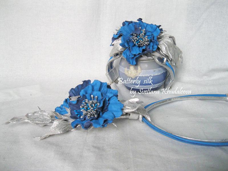 украшения из кожи, колье, браслет с цветами, комплект украшений, серо-голубой