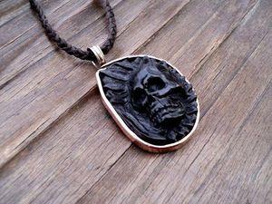 АУКЦИОН. Подвеска череп резная из мореного дуба.. Ярмарка Мастеров - ручная работа, handmade.