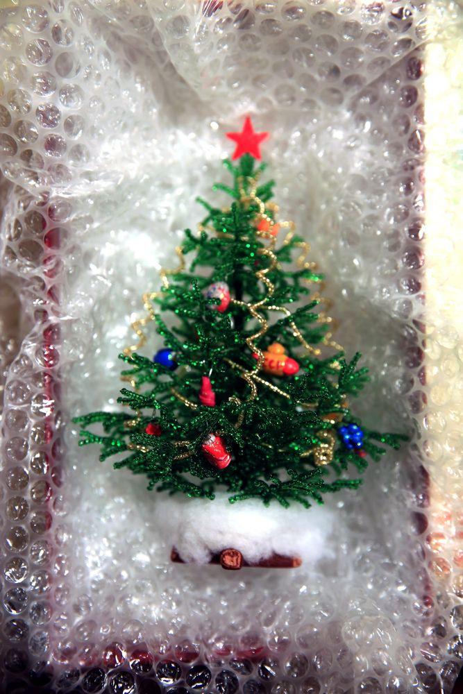 упаковка своими руками, посылка, упаковка работ, деревья из бисера, елочка из бисера