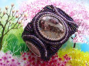 Аукцион на вышитый бисером широкий браслет с натуральными яшмами — закрыт. Ярмарка Мастеров - ручная работа, handmade.
