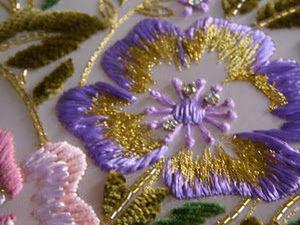 Первый уровень обучения в школе вышивки Francois Lesagе: ваза с цветами. Ярмарка Мастеров - ручная работа, handmade.