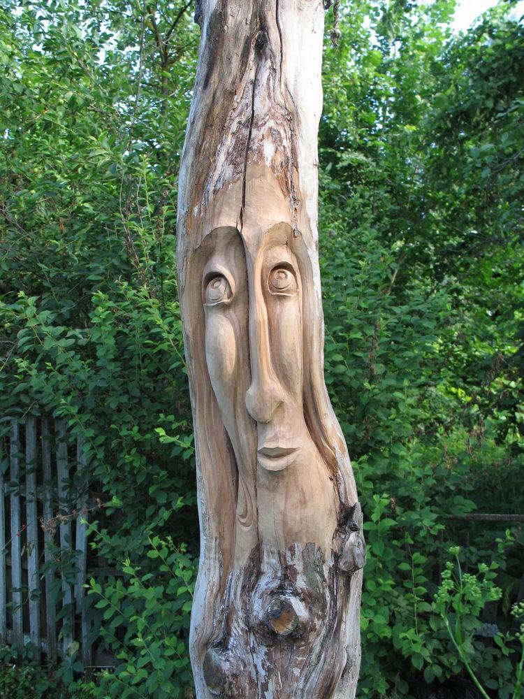 скульптура из дерева, древесина груши