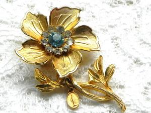 Видео. Брошь Цветок с медальоном Пресвятой Богородицы. Ярмарка Мастеров - ручная работа, handmade.