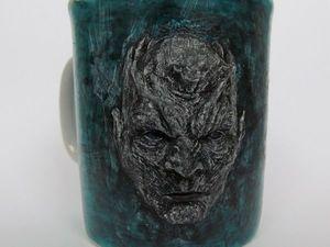 Лепим и декорируем на чашке барельеф «Король Ночи». Ярмарка Мастеров - ручная работа, handmade.