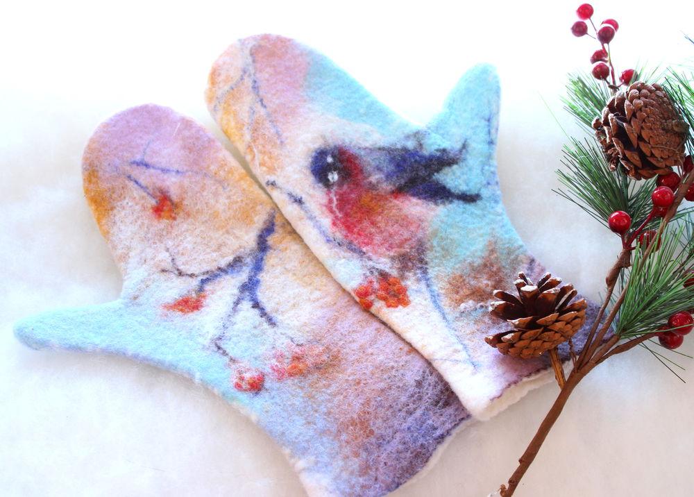 рисунок шерстью, варежки со снегирями
