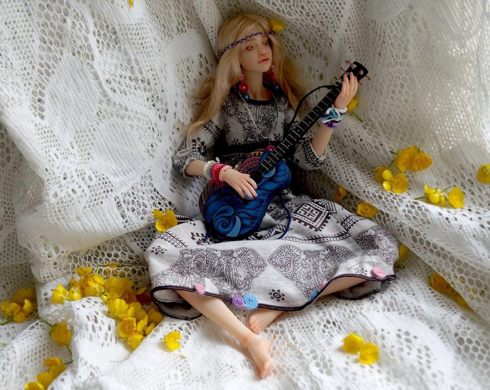 кукла хиппи
