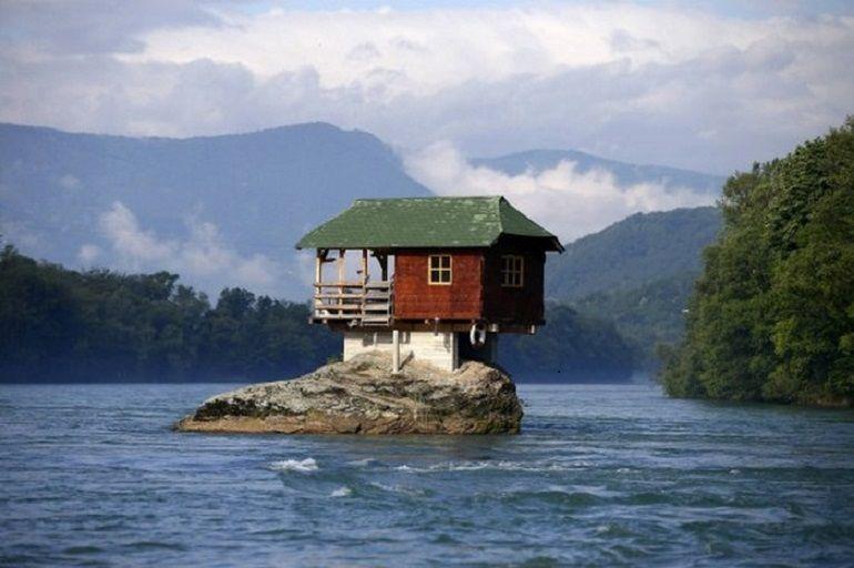 дома необычной формы