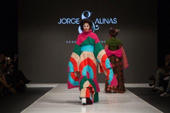 Вязаные фантазии на тему кимоно от Jorge Salinas