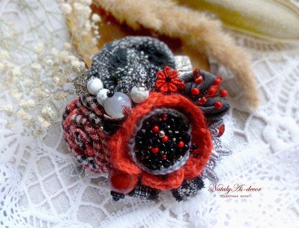 брошь ручной работы, купить брошь, красная брошь, текстильная брошь, купить подарок любимой