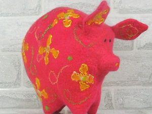 Мягкая игрушка валяная Свинка — символ 2019 года. Ярмарка Мастеров - ручная работа, handmade.