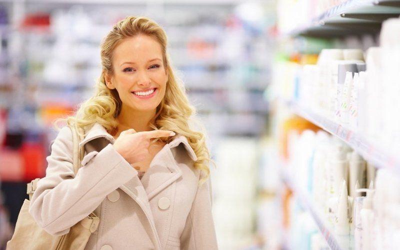 реклама, растяжки, косметика в аптеке, окрашенные волос