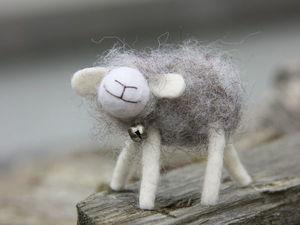 Теплая брошь овечка. Ярмарка Мастеров - ручная работа, handmade.