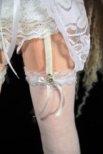 Под платьем у невесты фото 11