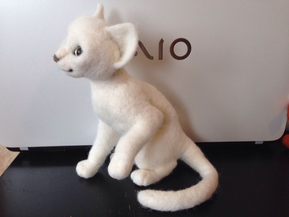 скульптура из шерсти