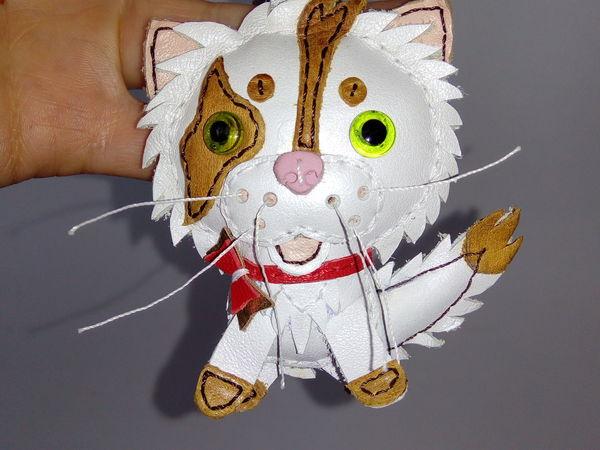 Брелок кожаный котик | Ярмарка Мастеров - ручная работа, handmade