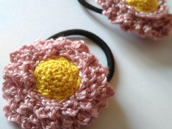 d782d2f772d9 Вяжем крючком украшения-резиночки для волос Маргаритки   Ярмарка Мастеров -  ручная работа, handmade