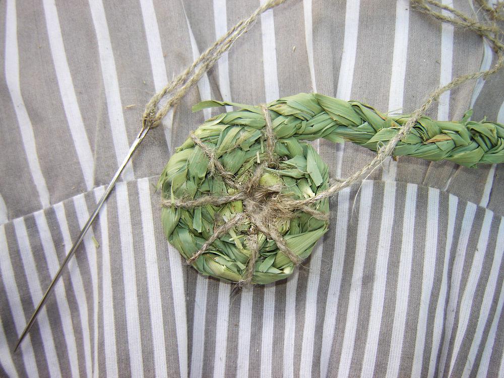 плетение из камыша