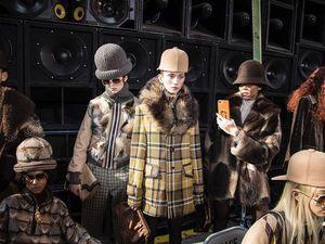 Необычные головные уборы в новой коллекции Marc Jacobs Ready-to-Wear осень-зима 2017-2018. Часть 2: детали. Ярмарка Мастеров - ручная работа, handmade.