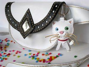 Брелок кот кожаный. Ярмарка Мастеров - ручная работа, handmade.