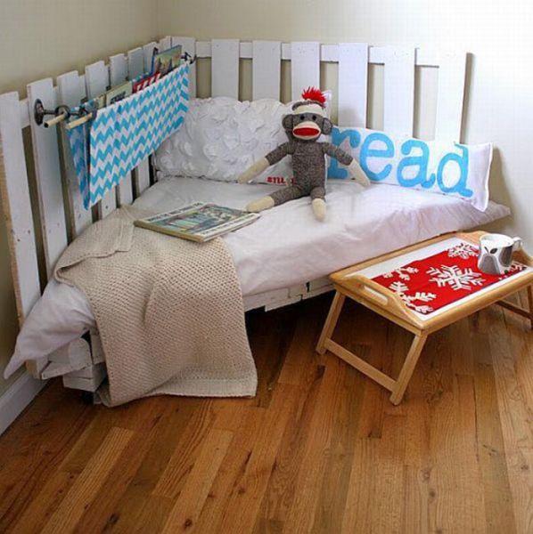 Как сделать кровать из старых диванов