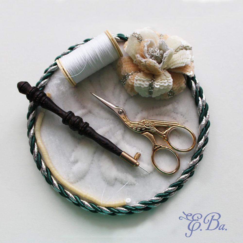 объемная вышивка, украшения ручной работы