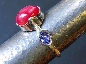 """Кольцо """"Магнолия"""" со звездчатым рубином и танзанитами. Ярмарка Мастеров - ручная работа, handmade."""