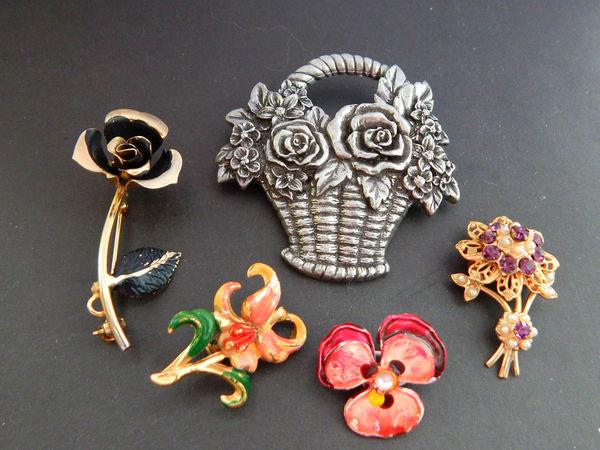 Винтажная корзинка и маленькие цветочки | Ярмарка Мастеров - ручная работа, handmade