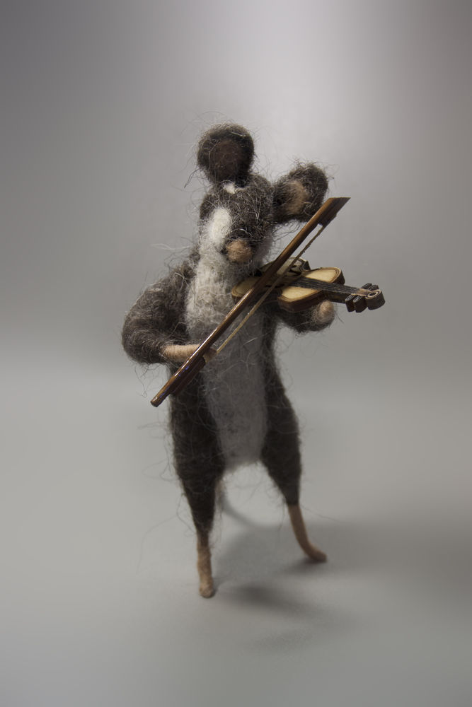 крыса, музыка, парик