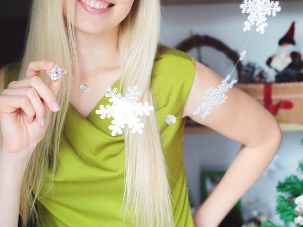 How to Make Snowflakes of Packaging Materials | Livemaster - handmade