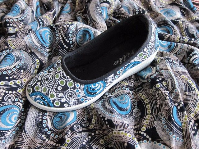 расписать обувь