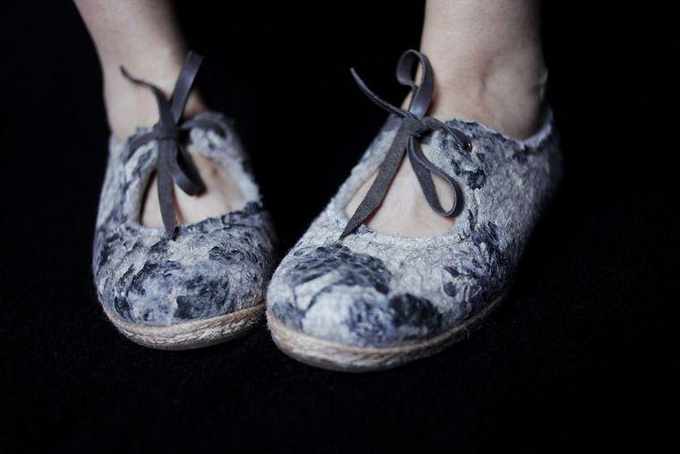 шерсти клок, валяние, войлок ручной работы, туфли из войлока