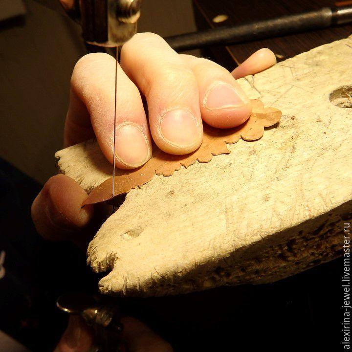 янтарные серьги
