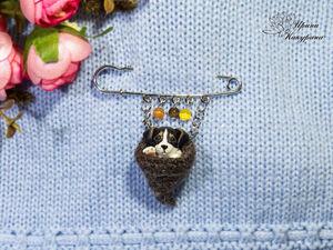 Брошь - булавка с миниатюрным щеночком!. Ярмарка Мастеров - ручная работа, handmade.