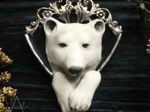 Белый медведь. Колье из полимерной глины. Кулон ручной работы. Ярмарка Мастеров - ручная работа, handmade.