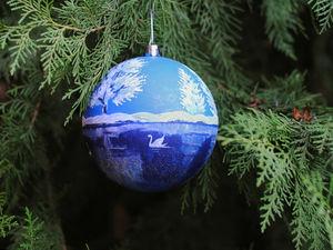 Роспись новогоднего шара «Лебединое озеро». Ярмарка Мастеров - ручная работа, handmade.