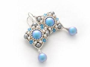 """Серьги из бисера """"Кокетка"""" в цвете Iridescent Light Blue!. Ярмарка Мастеров - ручная работа, handmade."""