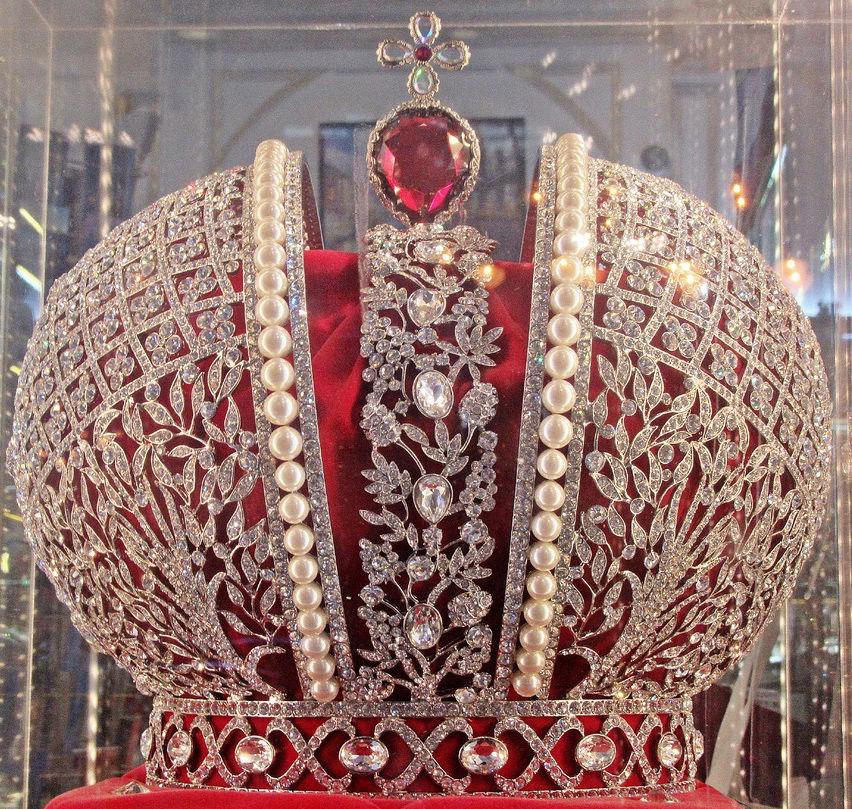 корона, жемчуг, бриллианты, шпинель