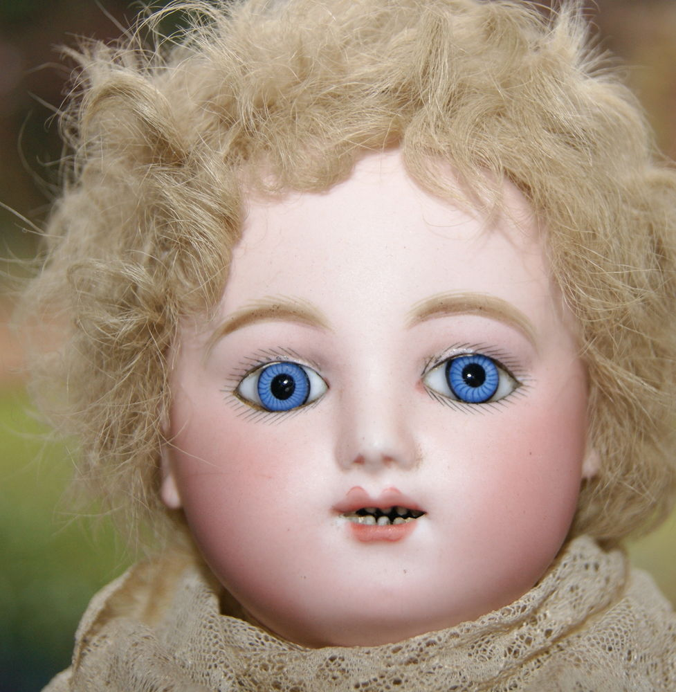 антикварное кружево, французская кукла, старинные куклы