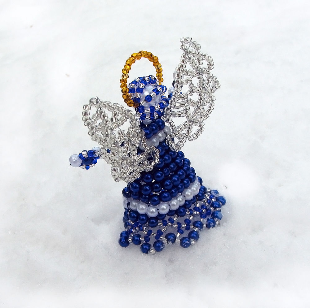Ангелочки из бисера фото
