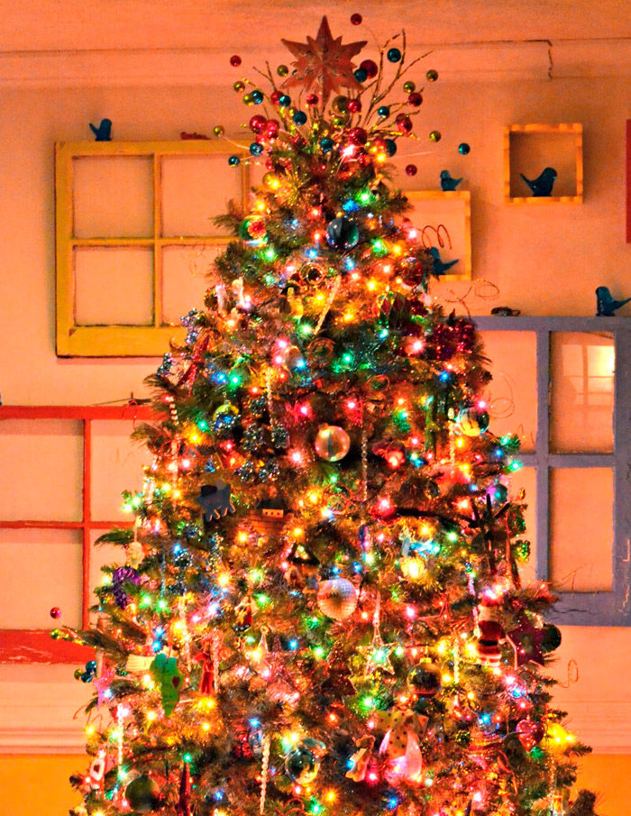 красивое украшение новогодней елки фото мир полон